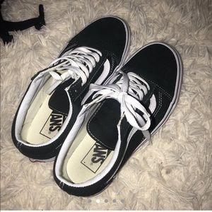 Old Skool Vans Size 6.5y (dark green)